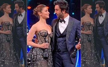 "Filmfare Awards 2019 Big Moment: Alia Bhatt Publicly Tells Ranbir Kapoor, ""I Love You"""