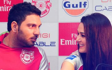 Yuvraj Singh RETURNS To Preity Zinta's Kings XI Punjab; Actress Is Dancing With Joy!